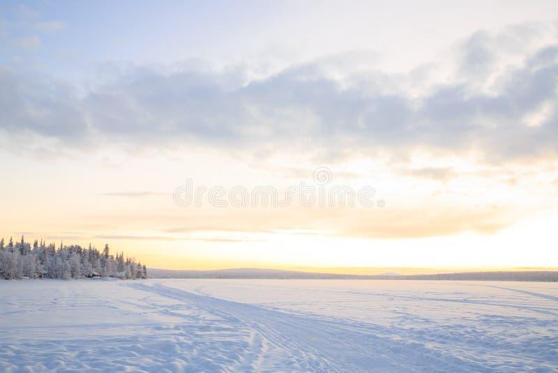 日出冬天风景 库存照片