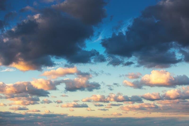 日出剧烈的天空云彩 库存照片