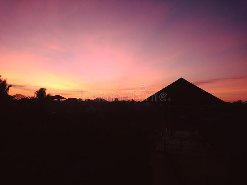 日出在城市 图库摄影