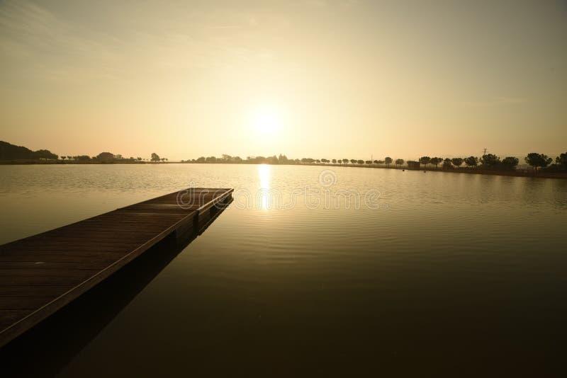 日出在曼雷萨,西班牙公园  库存图片