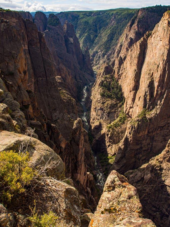日出峡谷视图, Gunnison的黑峡谷,科罗拉多 库存图片