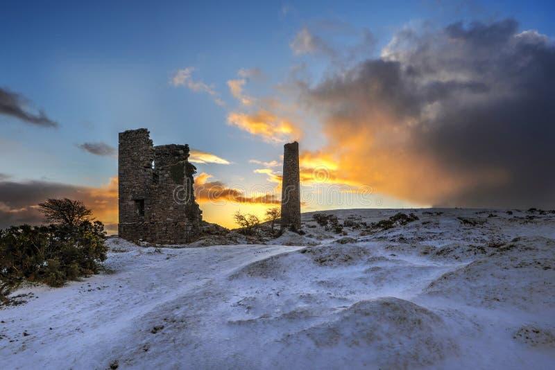 日出的康沃尔锡矿, Caradon,康沃尔郡,英国 免版税库存图片