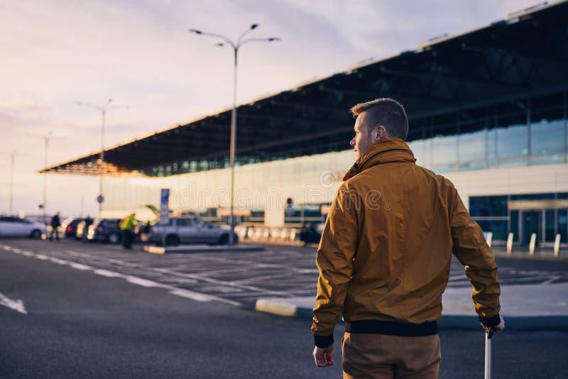 日出的机场 免版税库存图片