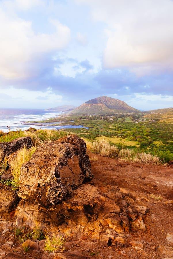 日出的河谷在Makapuu点,夏威夷 免版税图库摄影