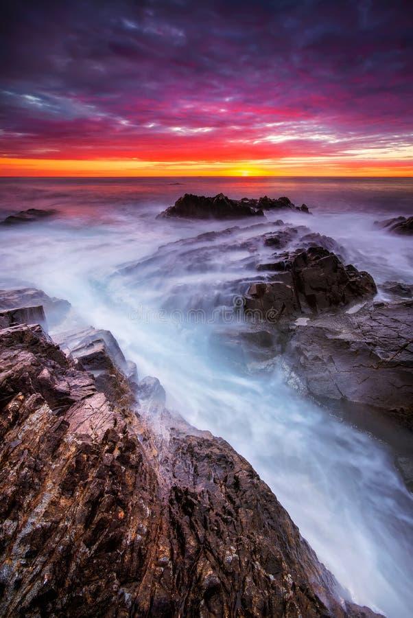 日出的风雨如磐的海 库存照片