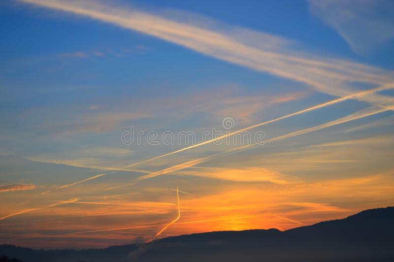 Download 日出 库存图片. 图片 包括有 日出, 云彩, 夏天, 天空, 横向 - 59111281