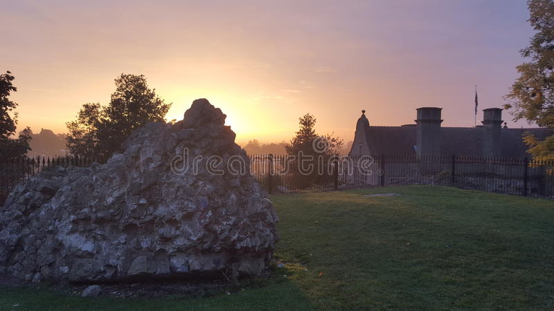 日出Oswestry城堡 免版税库存照片