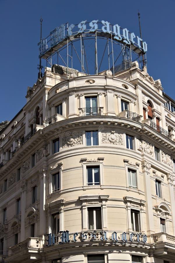 日报Il Messaggero的大厦的前面 库存照片