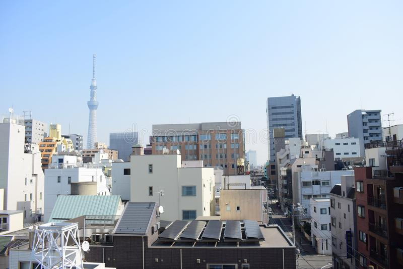 日本东京概要、精妙的现代建筑学和skytree耸立 免版税库存照片