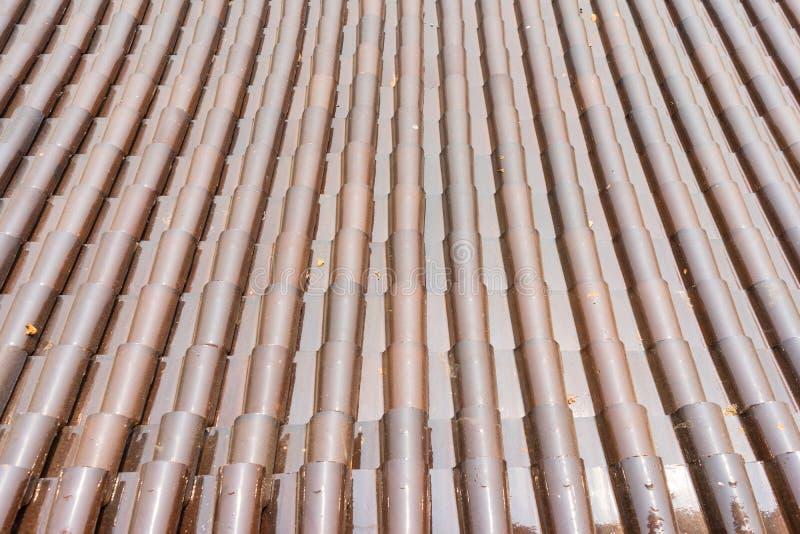 日本传统棕色瓦屋顶 库存图片