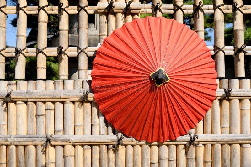 日本传统红色伞 免版税库存照片