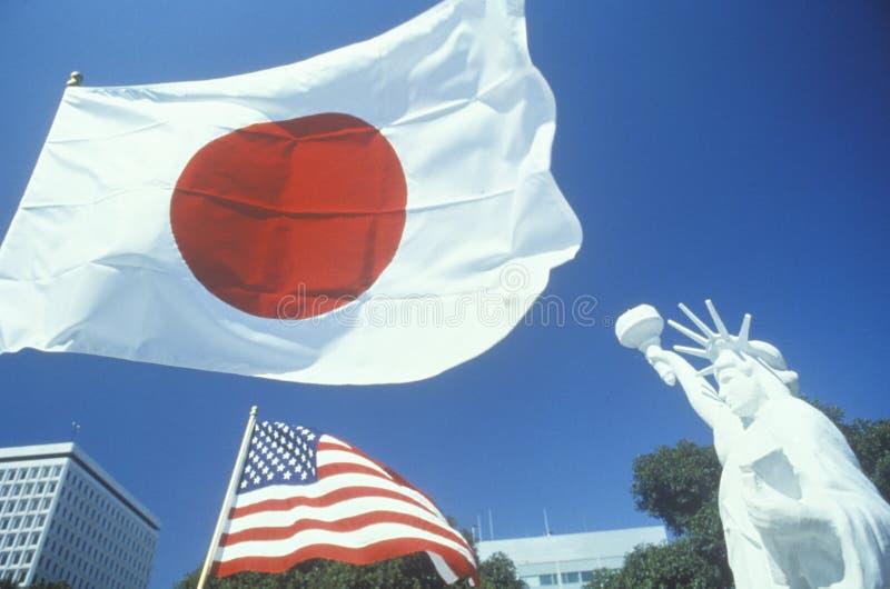 日本和美国国旗,一点东京,洛杉矶,加利福尼亚 图库摄影