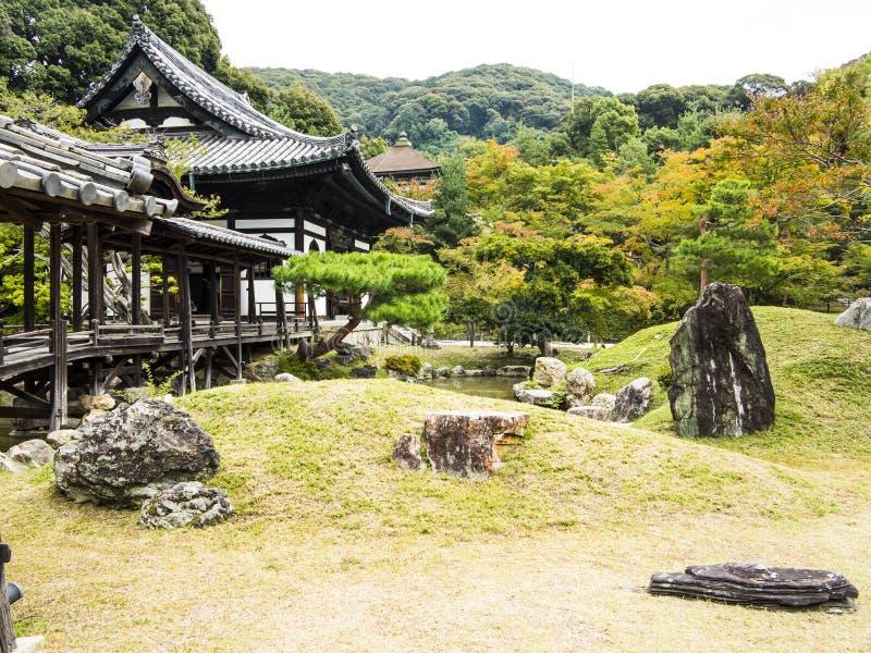 日本庭院和桥梁 图库摄影