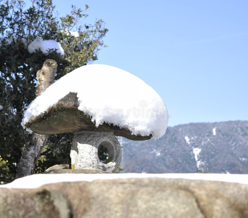 日本庭院石头工作 免版税库存图片