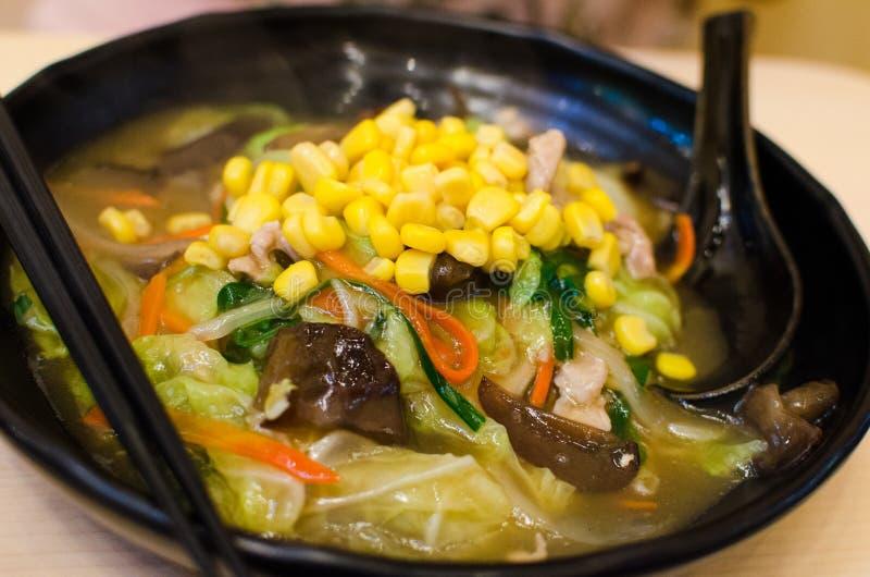 日本式与菜的面条拉面 免版税图库摄影