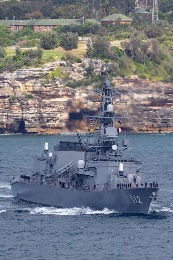 日本海上自卫队离去的悉尼港口的JS Makinami高波型护卫舰 图库摄影