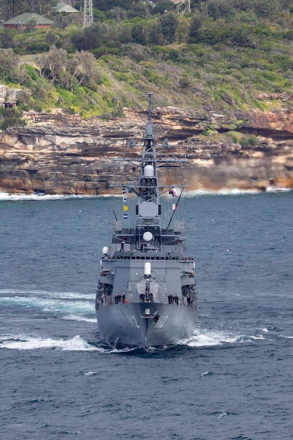 日本海上自卫队离去的悉尼港口的JS Makinami高波型护卫舰 库存照片