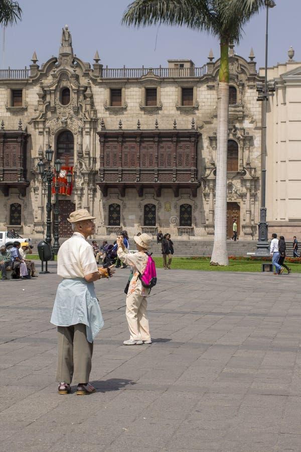 日本游人在利马,秘鲁 库存图片