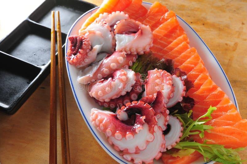 日本生鱼片盛肉盘 免版税库存图片