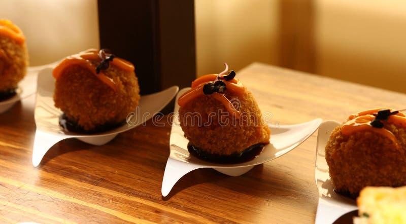 日本融合沙拉三明治球开胃菜 免版税库存图片