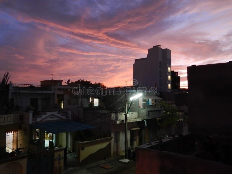日落云彩由我的大阳台的图片点击 库存图片