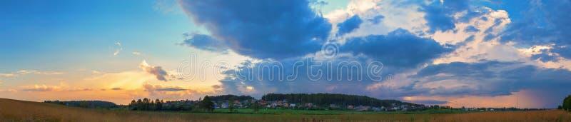 日落在乡下 库存照片