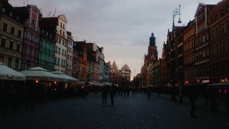 日落在城市 免版税库存图片