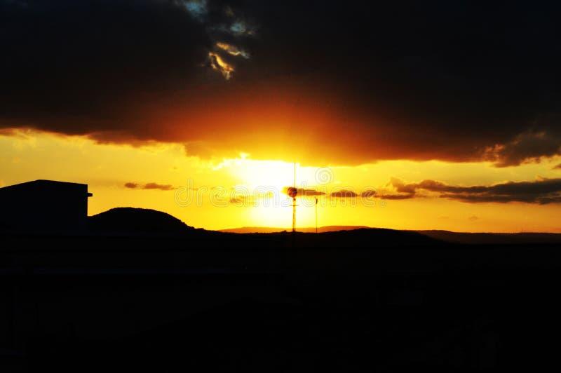日落在小镇 免版税库存照片