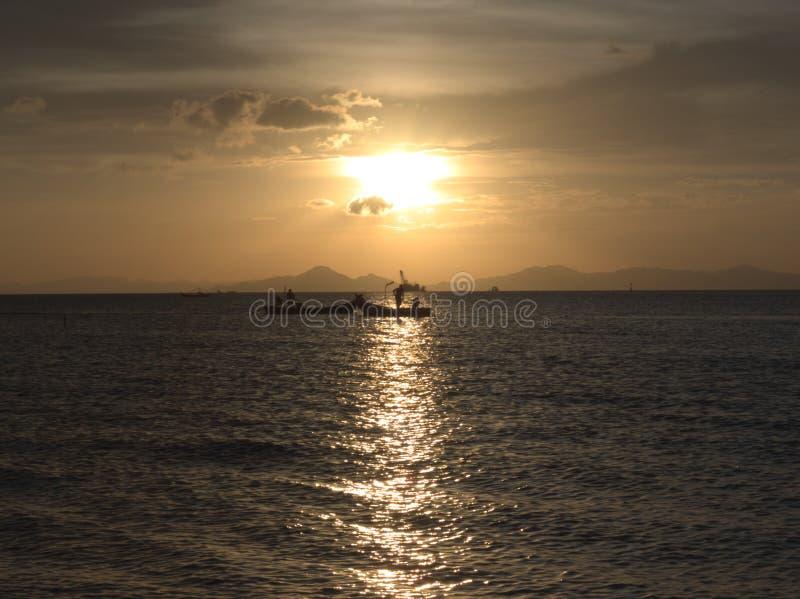 日落在玻璃市港口 免版税库存照片