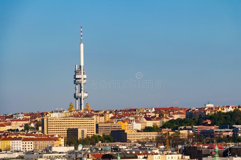 日落在老布拉格 红色屋顶和公园 免版税库存图片