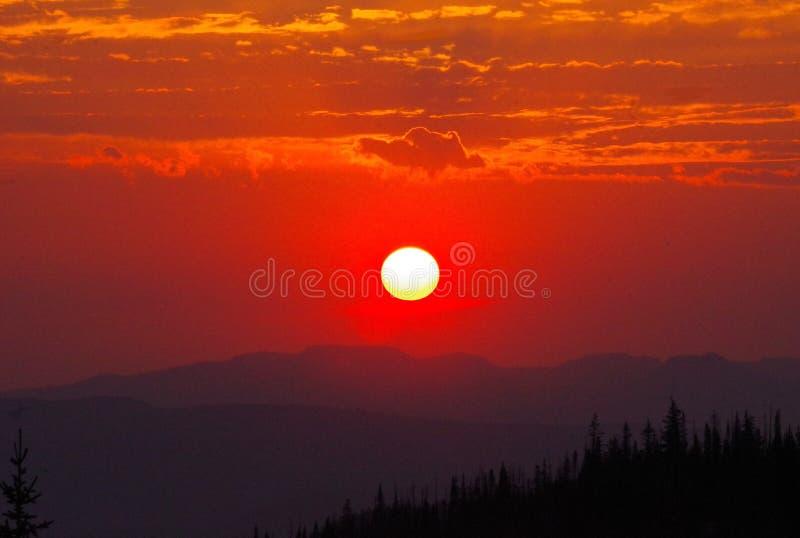 日落在落矶山 库存图片