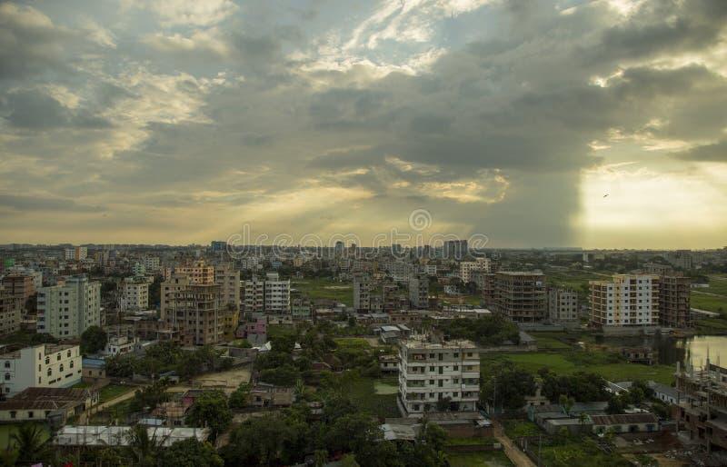 日落在达卡,孟加拉国 免版税库存照片