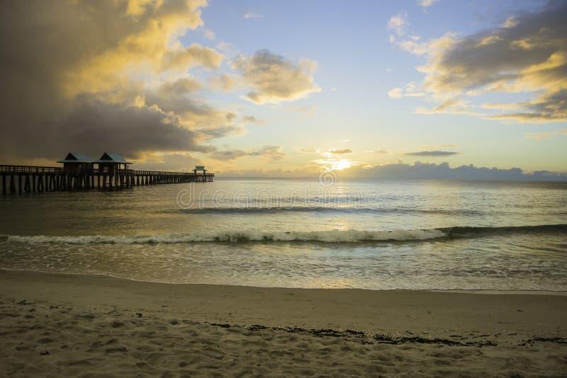 日落在那不勒斯,佛罗里达 库存照片