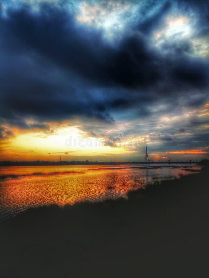 日落在里加,拉脱维亚 免版税图库摄影