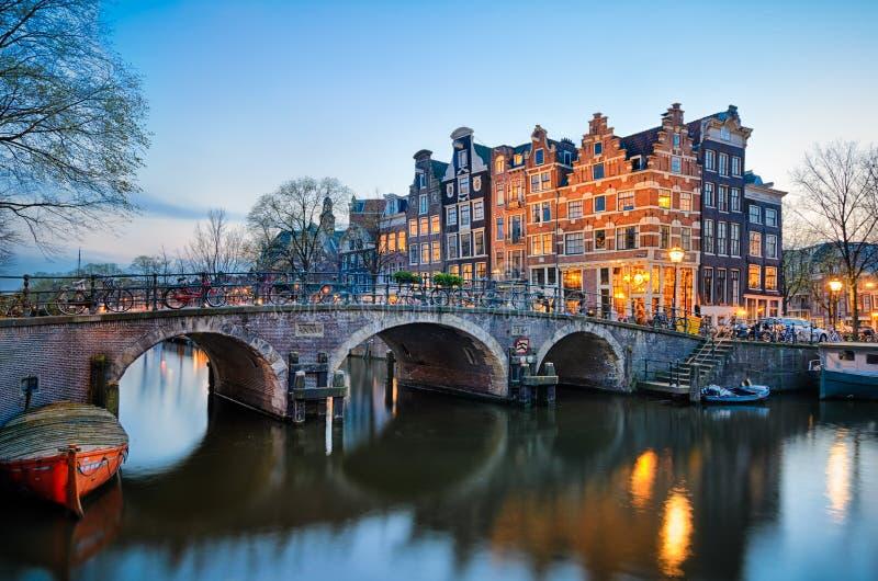 日落在阿姆斯特丹,荷兰 免版税图库摄影