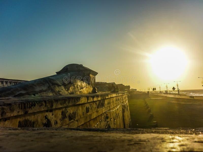 日落在从西班牙殖民地堡垒的卡塔赫钠 免版税库存图片