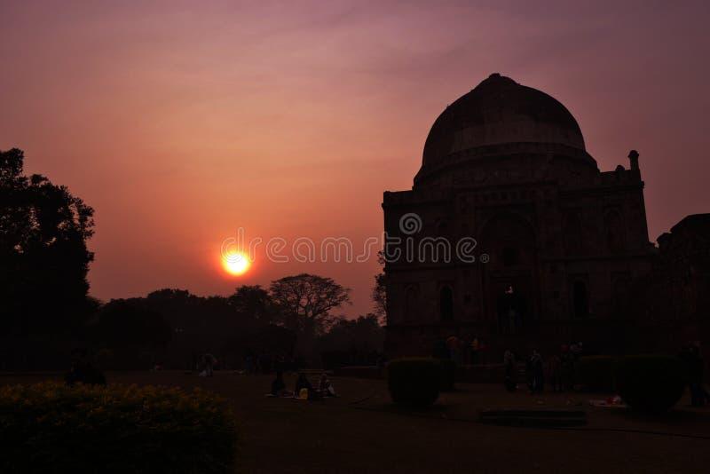 日落在Lodhi庭院德里里 免版税库存照片