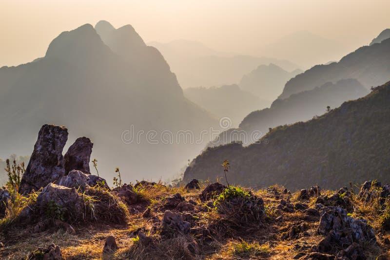 日落山土井Luang城镇Dao 库存图片