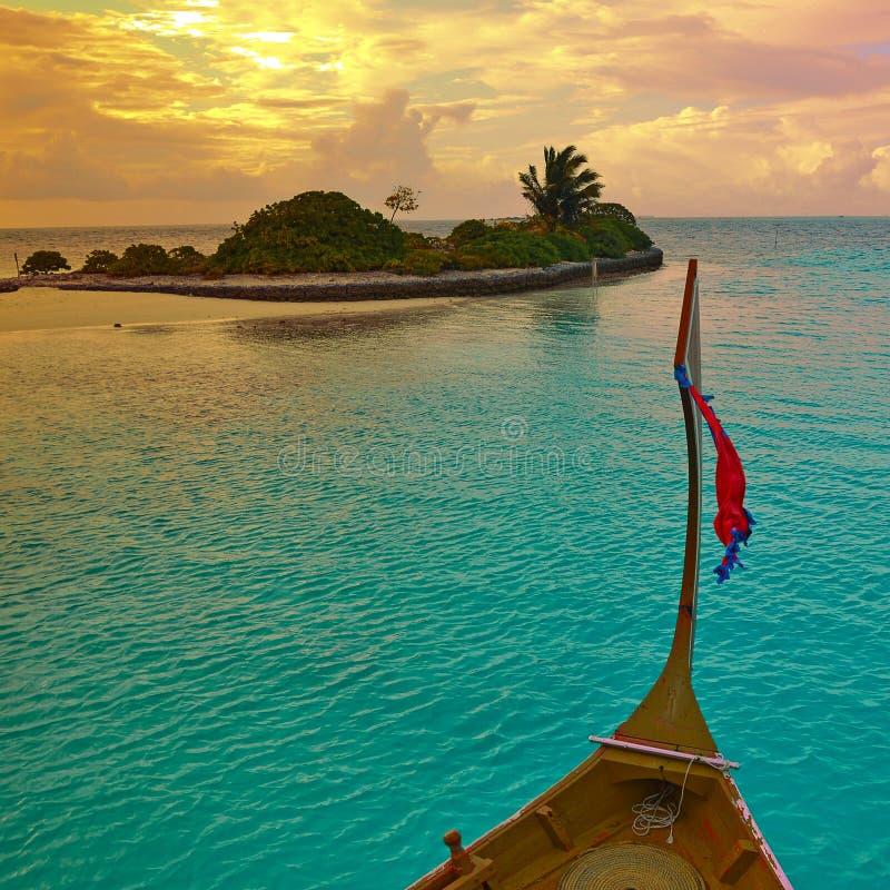 日落巡航在马尔代夫 免版税库存图片