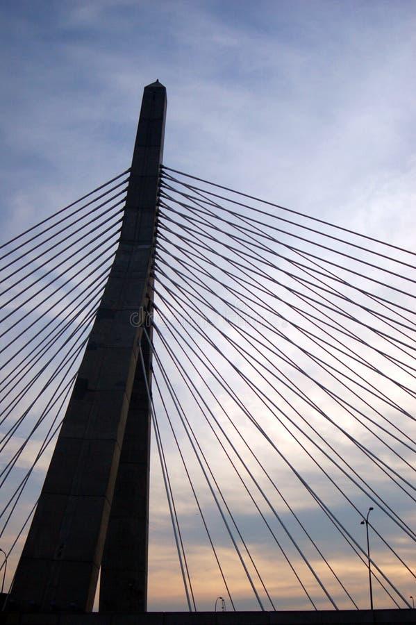日落时分,波士顿的扎基姆桥 免版税库存照片