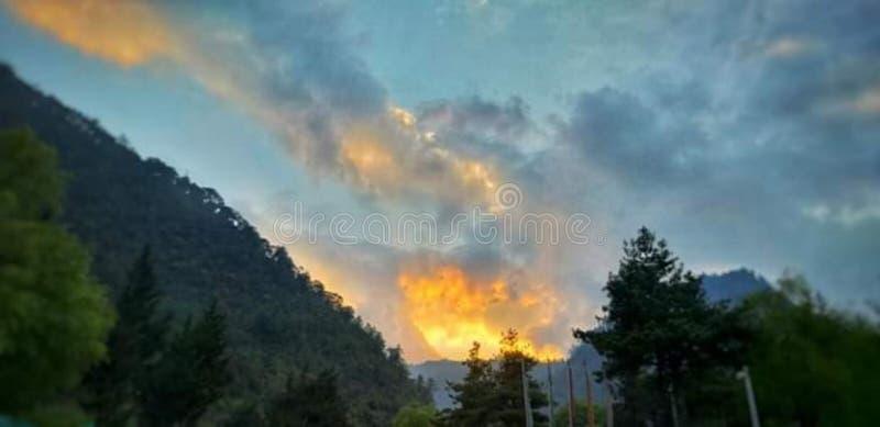 日落是证明甚而结束可以是很美丽的 图库摄影