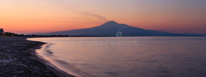 日落海海滩全景 图库摄影