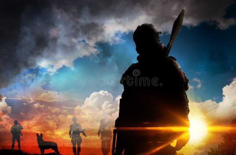日落的剪影战士 库存图片