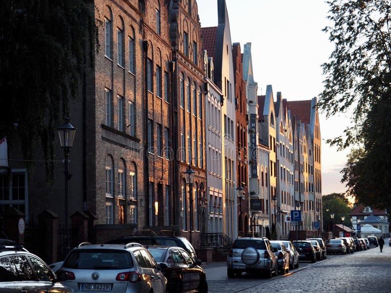 日落的波兰镇埃尔布隆格 库存图片