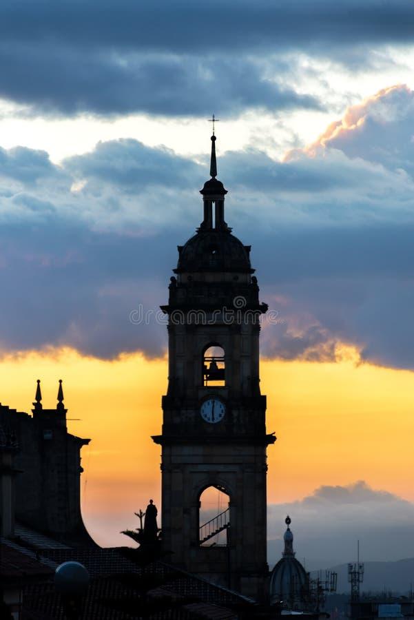 日落的波哥大,哥伦比亚大教堂 免版税库存照片