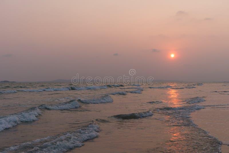 日落的海从泰国海滩 免版税库存图片