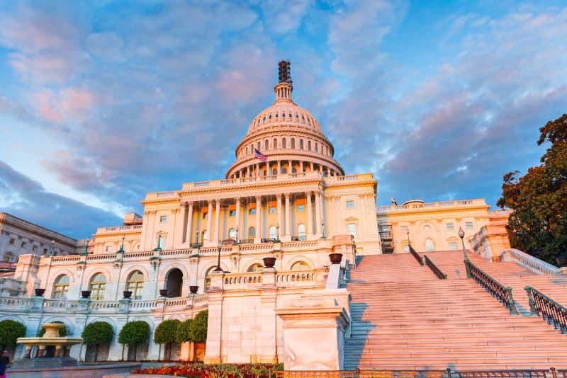 日落的美国国会大厦 免版税库存照片