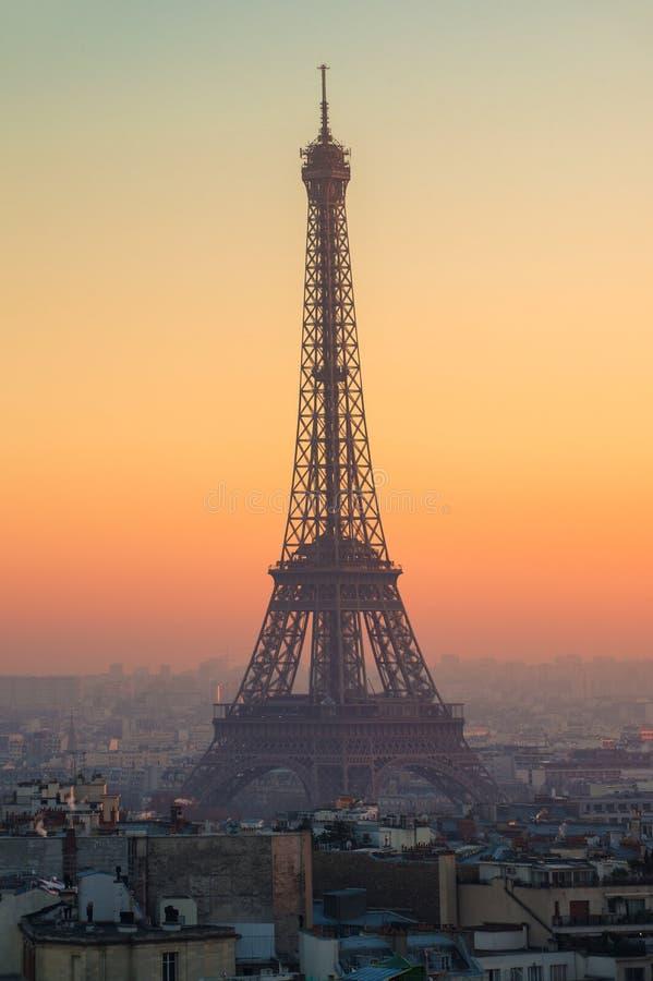 日落的艾菲尔铁塔在巴黎,法国 免版税图库摄影