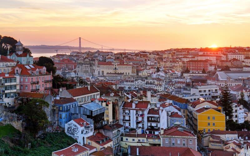 日落的里斯本历史的市,葡萄牙 图库摄影