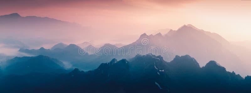 日落的长城 库存图片